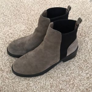 Steve Madden Taupe Suede Booties size 10